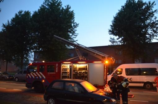 Schuurbrand zorgt voor rookoverlast aan Drapenierlaan (foto's)