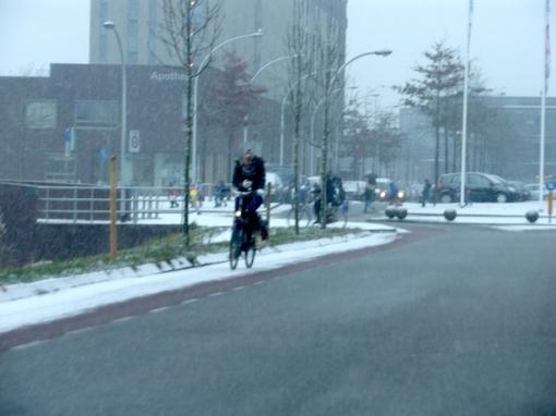 Jongeren krijgen les gevaren smartphone op de fiets
