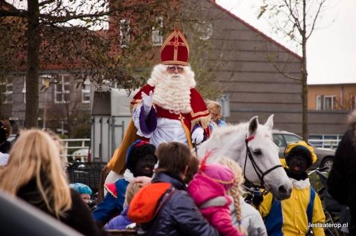 Sinterklaas bezoekt 24 november Stadshagen