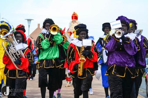 Sinterklaas groots onthaald in Stadshagen (fotoreportage)