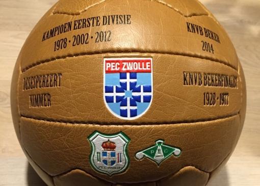 Vind de PEC Zwolle bal en win wedstrijdkaarten