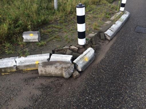 Zorgen om beschadigde wegversmalling Nijenhuislaan