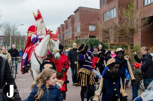 Sinterklaas feestelijk onthaald in Stadshagen