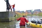 Vrijwilligers ruimen rommel in Stadshagen op