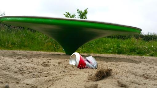 Speelplekken zonder afvalbak: het resultaat…