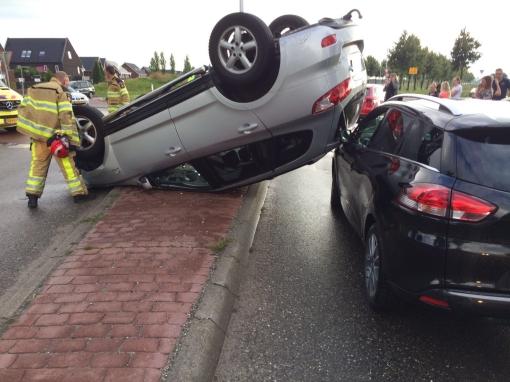 Bestuurder vlucht na ongeval gestolen auto