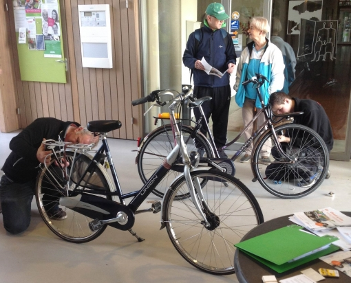 Repair Café: gratis reparatie fietsverlichting in Stadshagen