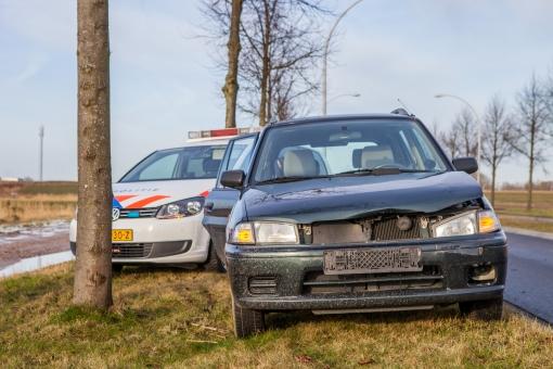 Aanrijding tussen twee auto's op Stadshagenallee