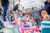 Stadshagen viert Koningsdag met grote kleedjesmarkt (fotoreportage)
