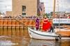 Sinterklaas komt aan in haven Stadshagen (fotoreportage)