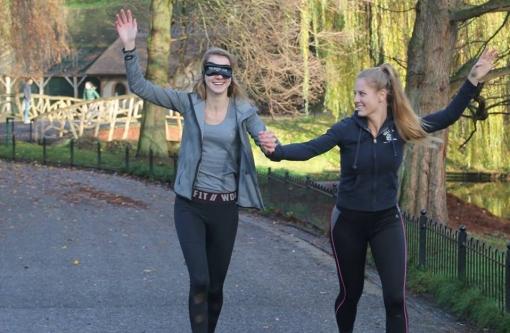 Blind Run Stadshagen, geblinddoekt hardlopen voor goed doel