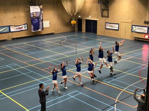 Sparta Zwolle wint van hekkensluiter AVO