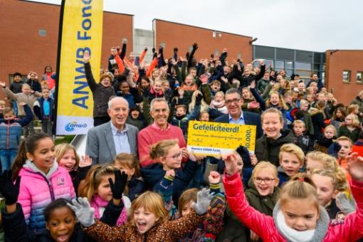 Zevensprong wint 10.000 euro voor schoolplein