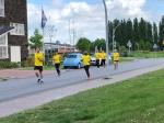 Zorgmedewerkers lopen estafette naar Zonnehuis