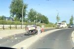 Auto over de kop onder stationstunnel Stadshagen