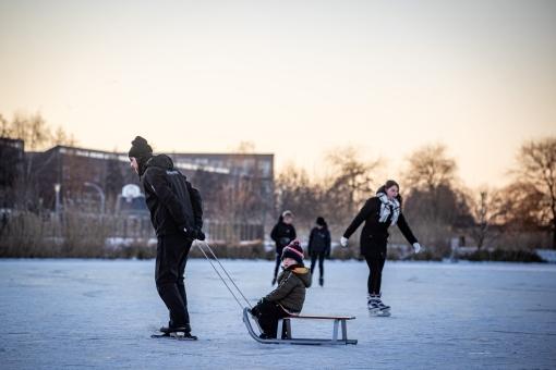 Stadshagen volop op de schaats, maar natuurijs nog niet veilig (Fotoreportage)