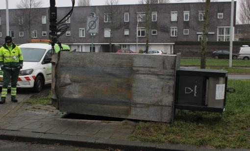 Kraan vuilniswagen breekt af: chauffeur komt met de schrik vrij