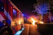 Auto brandt uit aan de Nijerwalstraat
