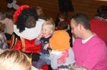Zwarte Pieten ontbijten met kinderen (fotoreportage)
